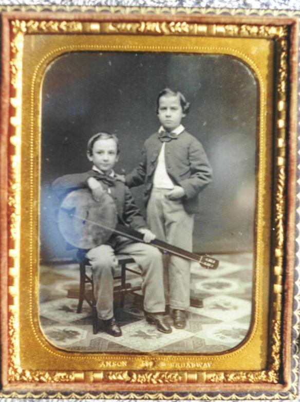 Una rara immagine del 1850. Qui il banjo è già passato..di mano ai Bianchi.