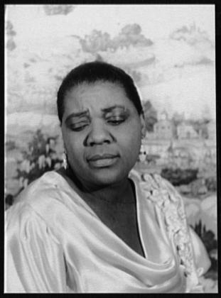 Un'immagine densa e sofferta di Bessie Smith,pochi mesi prima della sua morte,1936