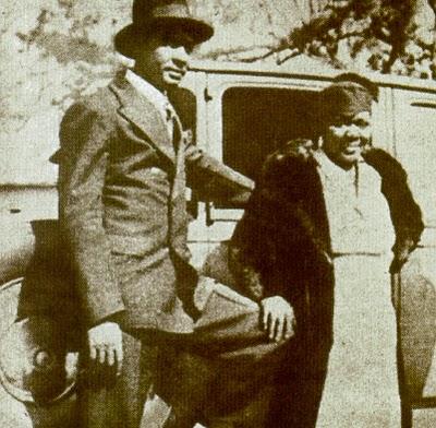 Rarissima foto di Bessie Smith e dell'ultimo marito Richard Morgan davanti alla loro Chevrolet,2 settimane prima dell'infausto incidente