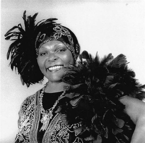 Bessie ,1927