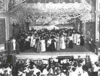 Ancora una bella immagine del Teatro dell'Opera di Harlem,inizi  '900