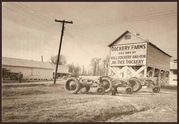 La piantagione Dockery,una farm molto ben attrezzata, come appariva agli inizi del 1900