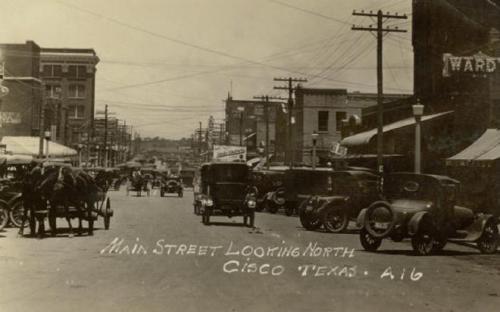 IL Texas cambia. Qui Main Street a Cisco nel Texas intorno al 1920.