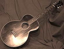 Ecco la chitarra di Robert Johnson,una Gibson Kalamazoo.