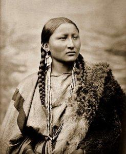 Crow Women 1906