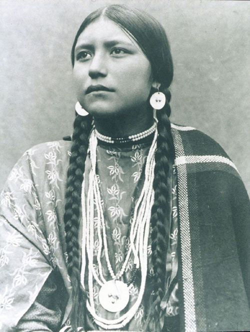 Donna Apache 1906