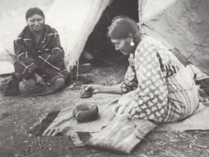 Donna Sioux che lavora il pennicam, 1862